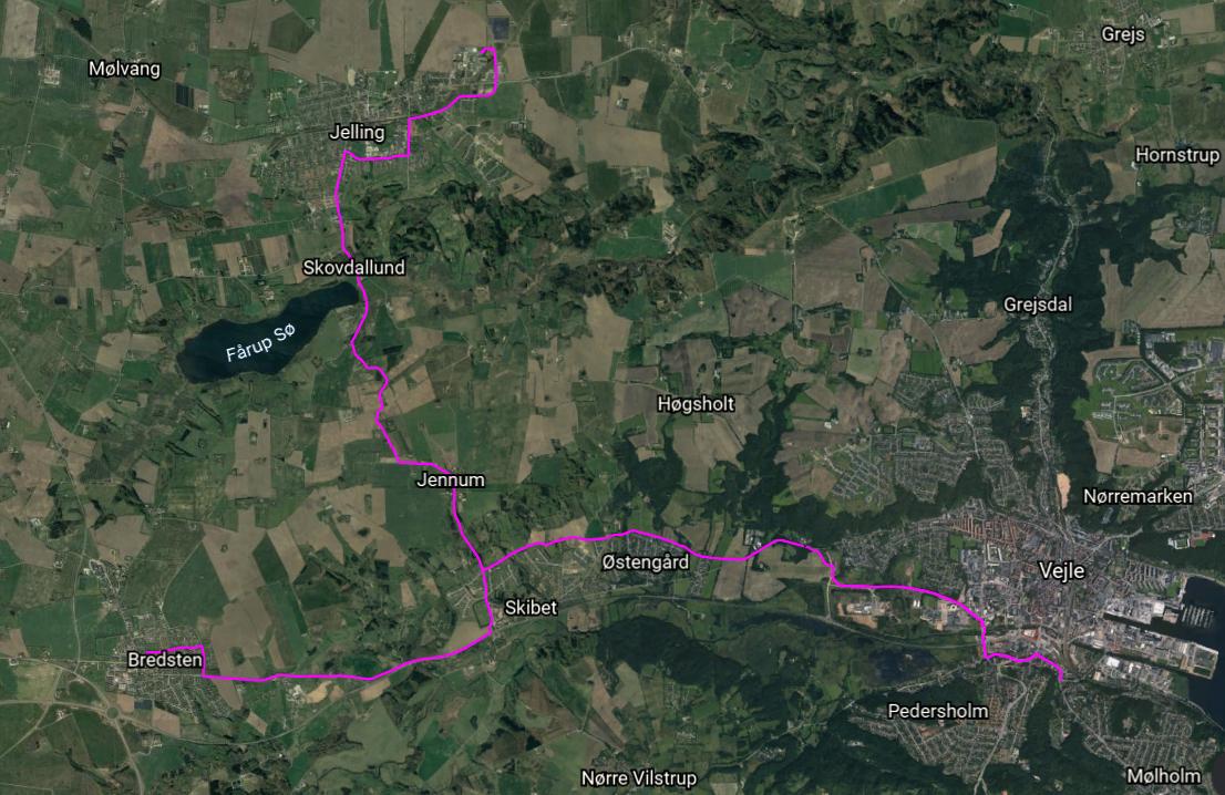 17 kilometer fjernvarmeledning, 3 pumpe-stationer og 3 vekslerstationer<